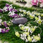 עמדת שזירת פרחים לבת מצווה